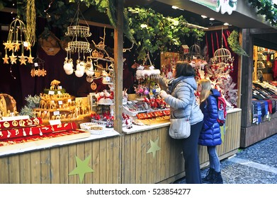 MAINZ,GERMANY-NOV 25:view on the CRISTMAS MARKET in Mainz on November 25,2016 in Mainz,Germany.