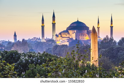 Majestic Blue Mosque (built 1616) in the vibrant city of Istanbul, Turkey.