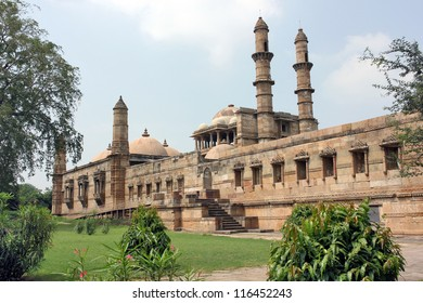 Majestic structure of Jami Masjid at Champaner Pavagadh. A UNESCO World Heritage Site built in 16th century A.D. by Sultan Mahmud Begada.