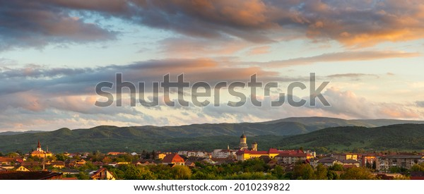 majestic-sunset-colorful-clouds-above-60