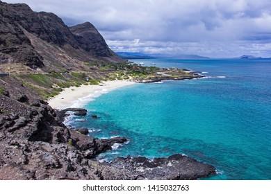 Makapuu Lookout in Oahu located along the Highway 1 You can see beautiful Makapu'u Beach and the surrounding area.