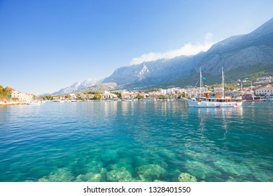 Makarska, Dalmatia, Croatia, Europe - Turquoise water at the wonderful beach of Makarska