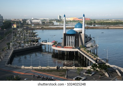 MAKASSAR, INDONESIA - March 29, 2014: The Great Amirul Mukminin Mosque, is the floating mosque in Losari Beach south sulawesi