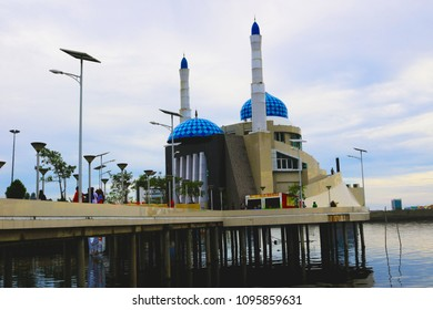 MAKASSAR, INDONESIA - MAY 21 2018: Masjid Amirul Mukminin located in Losari Beach, Makassar has become one of the favorite places to perform prayers in congregation, especially in the month of Ramadan