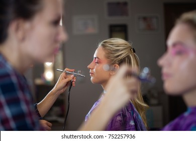 Make up with airbrush
