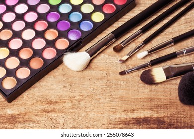 Make up pallet with brush