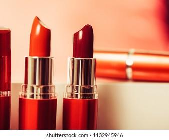 Makeup brush and decorative cosmetics