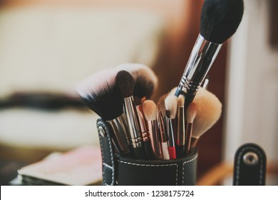 The makeup brushes. Make-up accessories