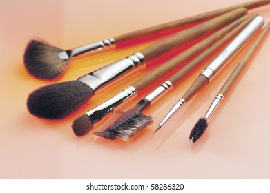 Make-up brushes with lighting effect.