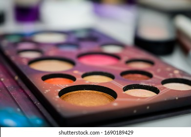 Makeup eyeshadow palette with makeup brush
