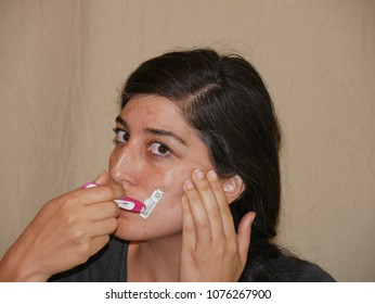 Makeup Free Lady Shaving