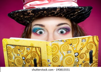 """Makeup of young woman in the similitude of the Hatter (""""Alice's Adventures in Wonderland"""")"""