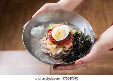 makguksu, Chilled Buckwheat Noodle Soup, korean cold noodles,