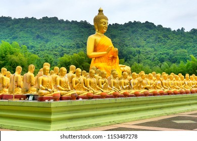 Makha Bucha Day,1,250 Sangha followers, came to see the Lord Buddha at Wat Veḷuvana in Northern India, without any schedule