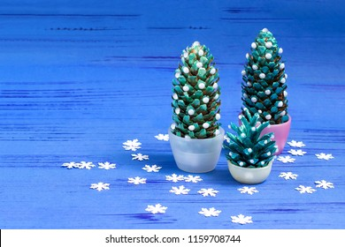 Making Christmas tree of cones. Original children's art project. DIY concept. Step by step photo instructions. Step 5. Final result