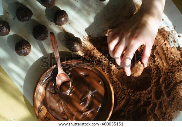 Making of craft chocolate candies