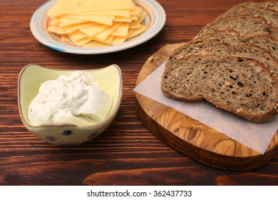 making a fresh sandwich with different ingredients