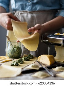Making italian ravioli