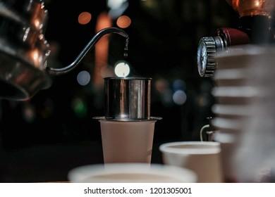 Making vietnam drip coffee