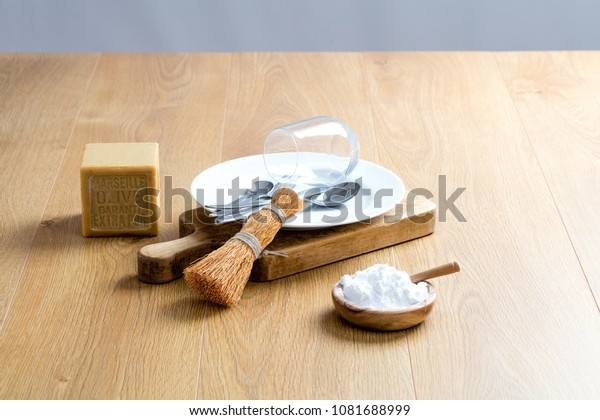 making your own dish washing detergent with traditional Marseilles soap and biodegradable baking soda