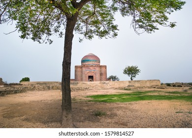 Makli Graveyard (Thatta, Sindh, Karachi)