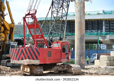 Construction Piling Images, Stock Photos & Vectors