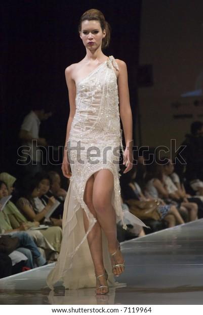 Malaysia International Fashion Week 2007 Runway Stock Photo Edit Now 7119964