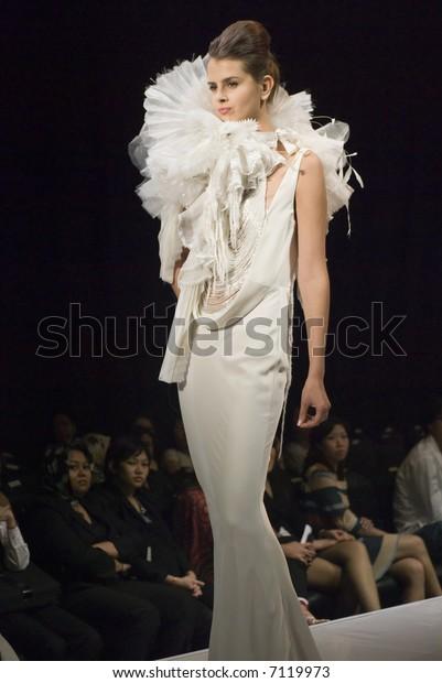 Malaysia International Fashion Week 2007 Runway People Stock Image 7119973