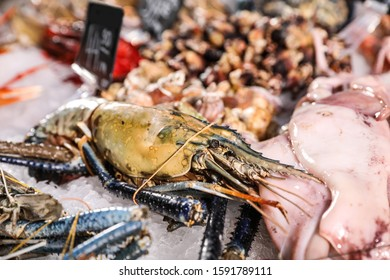 Malaysian freshwater prawn and other seafood on ice. Wholesale market