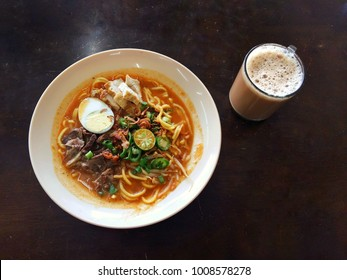 Malaysian Mee Rebus, Famous Asian Noodle with Teh Tarik