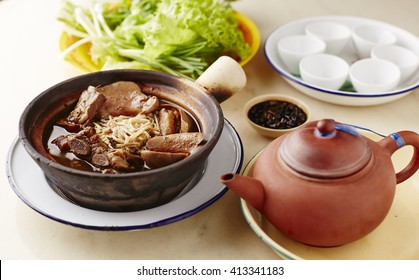 Malaysian stew of pork and herbal soup, ba kut teh