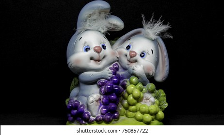 Male and female toy bunnies statue, cute decor for table