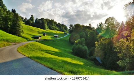 Malerische Landschaft im Herbst bei Sonnenschein