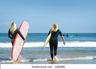 malibu surf girls