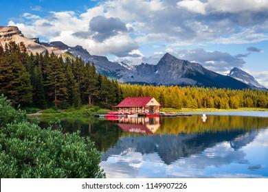 Maligne Lake at sunset, Jasper National Park, Canadian Rockies, Alberta, Canada.