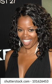 """Malinda Williams at the """"Takers"""" World Premiere, Arclight Cinerama Dome, Hollywood, CA. 08-04-10"""
