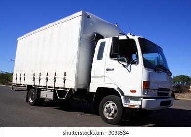 mall white truck