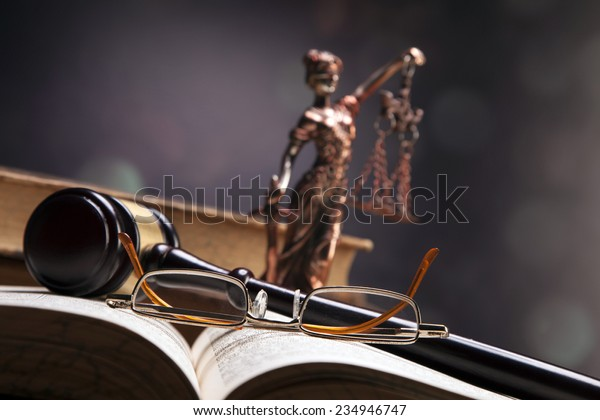 Mallet of justice!
