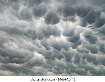 Mammatus clouds near Lewsitown, Montana on 27 June 2019