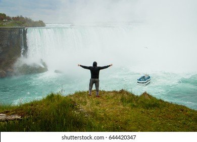 The man above the Niagara Falls, Canada