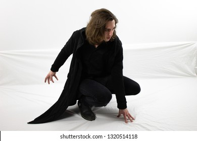 Crouching Man Pose Images Stock Photos Vectors Shutterstock