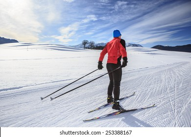 A man cross-country skiing on the trail in Bavaria
