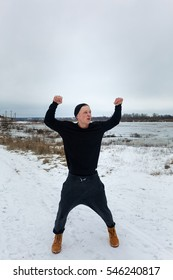 man goes in for sports in the cold