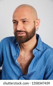 man with head tricopigmentation