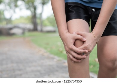 Man with knee pain, arthrosis of the knee.