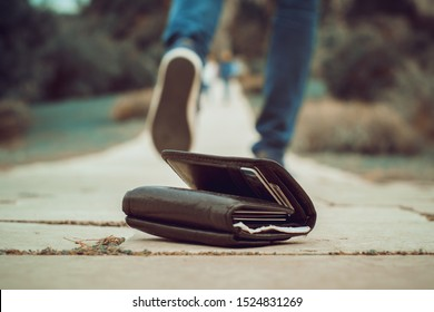 Man left his wallet, Lost and found
