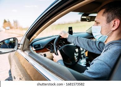 Hombre con la máscara médica en el camión. coronavirus, enfermedad, infección, cuarentena, covid-19