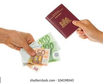 Man paying 250 euro for a dutch passport