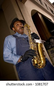 Man plays the saxophone in downtown Minneapolis