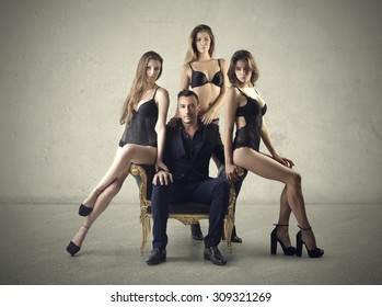 Three Girls to Pose Images, Stock Photos & Vectors